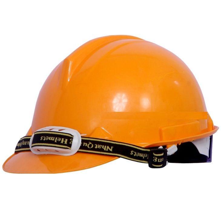 Mũ bảo hộ nhật quang màu trắng trang bị cho kỹ sư
