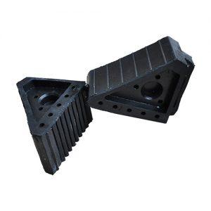 Chặn lùi xe nhựa 004 (170x100x150) mm L x W x H 2kg/cái