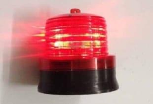 Đèn cảnh báo giao thông cảm biến ánh sáng tự động bật tắt